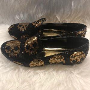 NWOT Shiekh gold & black sequin skull loafers